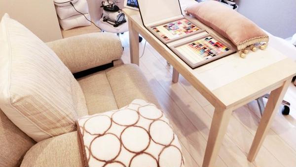 家具や装飾はほとんど置かない?プライベートネイルサロンのインテリア選びの秘訣